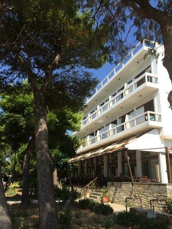 Karystion Hotel: Η εξωτερικη του οψη