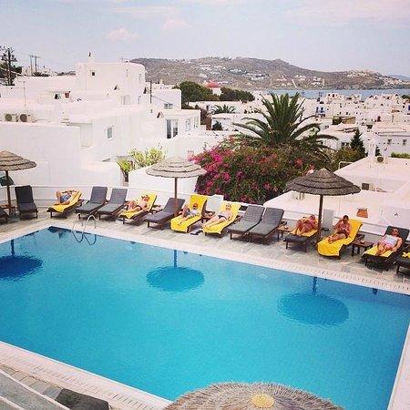 Rochari Hotel : Rochari Pool view from restaurant balcony