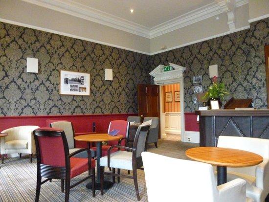 Aldwark Manor Golf & Spa Hotel: Squadron Bar