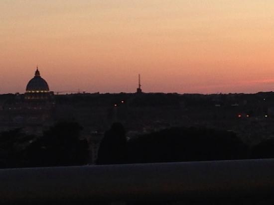 Sofitel Rome Villa Borghese: Vue du Restaurant toit terrasse Sofitel Villa Borghèse