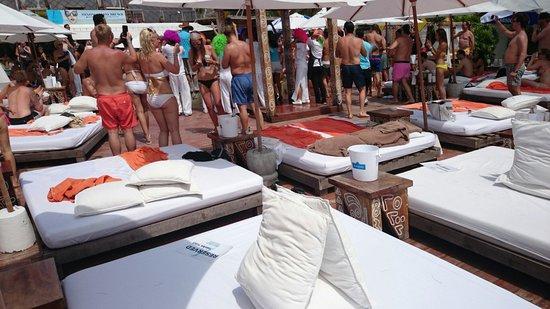 Nikki Beach Koh Samui: Nikki beach around the Pool