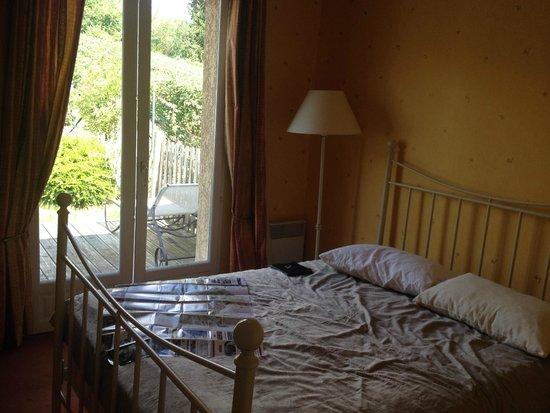 Au Coeur des Vignes : Master Bedroom