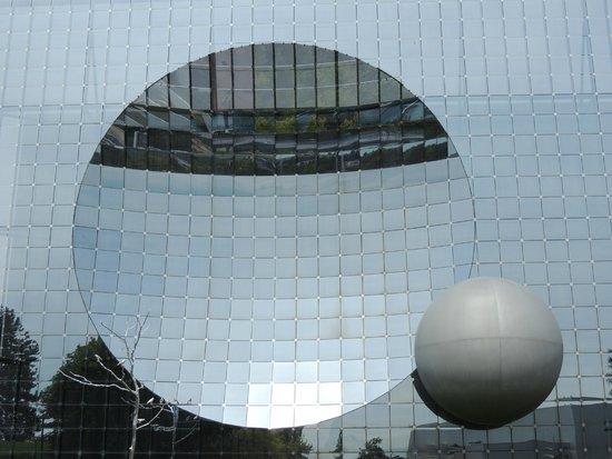 Futuroscope : Futuristic Architecture