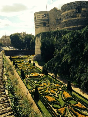 Castle of Angers: moat gardens
