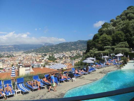 Grand Hotel Capodimonte: View of Sorrento from pool area.
