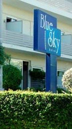 Blue Sky Hotel: Esterno