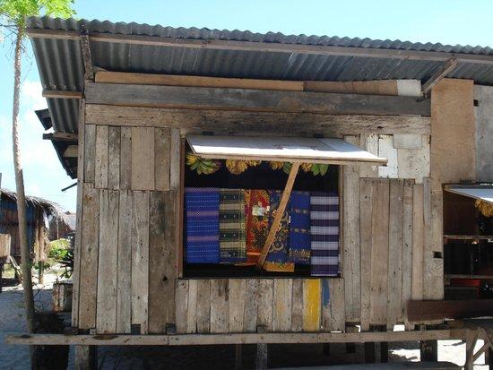 Pulau Mabul, ماليزيا: Negozio di sarong