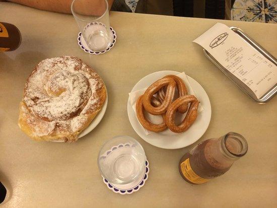 Cafe Granja Viader: Churros y cacaolat