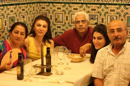 El Rinconcillo: dining area