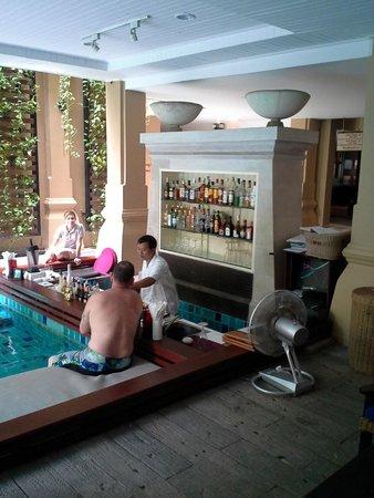 Burasari Resort : pool bar