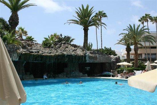 H10 Conquistador: hotel watervalletje...