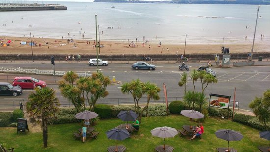 Premier Inn Torquay Hotel: View from room 231 of the bay, and the Beefeater restaurant garden
