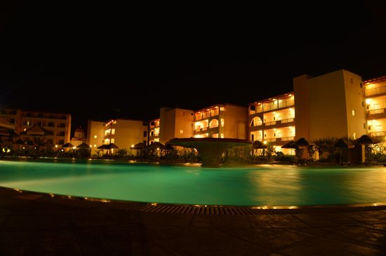 Eden Village Myrina Beach: Area piscina di notte