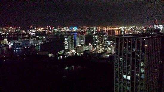 Conrad Tokyo: Tokyo Bay at night from the 33rd floor