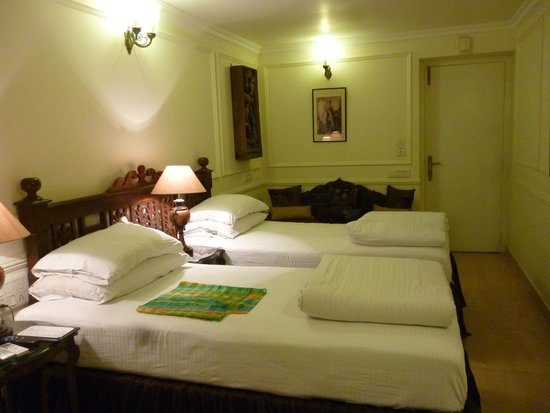 Devna : double bedroom with bathroom and terrace