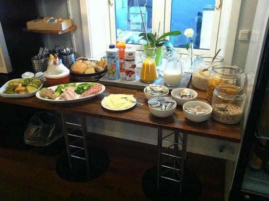 Det Lille Hotel - Bed & Breakfast (Rønne, Danmark) - B&B - anmeldelser - sammenligning af priser ...