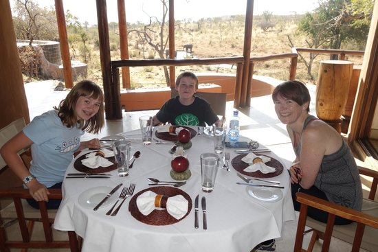 Royal Madikwe Luxury Safari Lodge: Lunch in view of the water hole