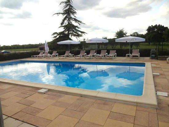 Relais de Margaux : la piscine extérieure