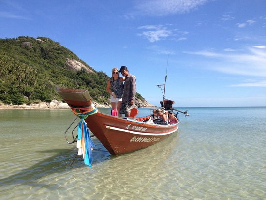 Bottle Beach 1 Resort: The watertaxi @ bottle beach...