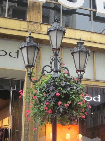 Vaci Street: Lampioni a Vaci Utca