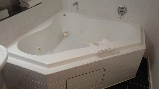 Punthill Little Bourke : Two person corner spa (1 bedroom spa)