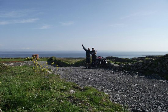 West Ireland Cycling: Me and my Girlfriend up on inishmore - Aran Island with our bikes