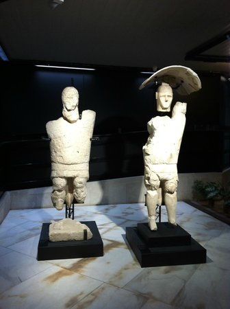I Giganti dei Monti Prama al Museo Archeologico Nazionale