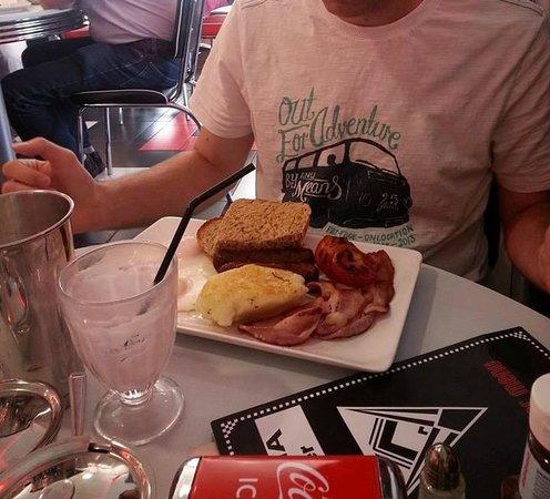 Mattia Diner: Big Breakfast