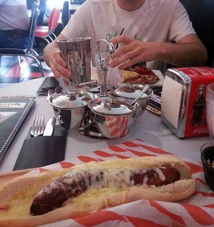 Mattia Diner: Cheesy 'posh dog'
