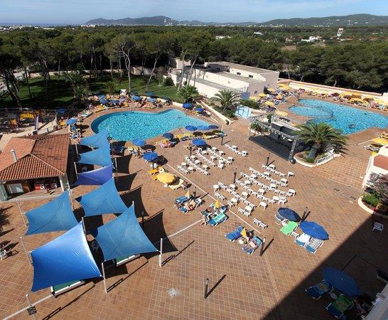 Invisa Hotel Ereso: Zona de la piscina / Pool zone