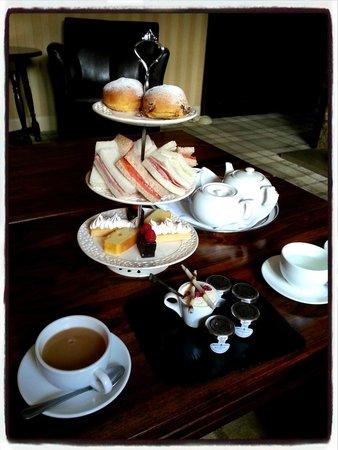 Ox Pasture Hall Hotel: Afternoon tea