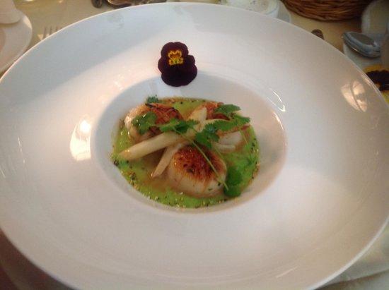 Restauracja Dom Polski : scallops with green peas mousse