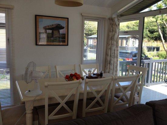 Mullion Cove Lodge Park: Dining area