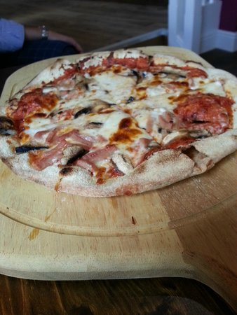 The Tickled Trout: Homemade pizza