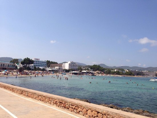 Bellamar Hotel: The beach over the road