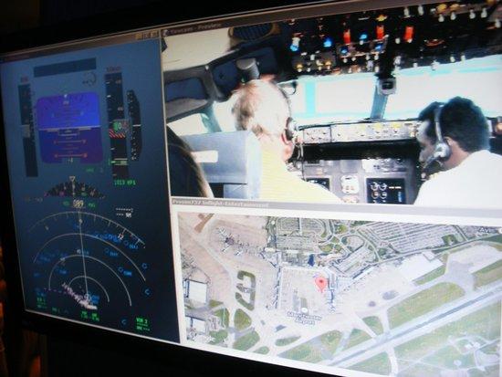 Flightdeck Experience: Information Screen