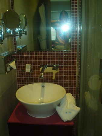 Hotel Indigo London-Paddington: See the rabbit!