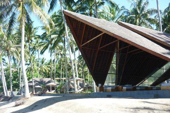 The Chandi Boutique Resort & Spa: бар на берегу
