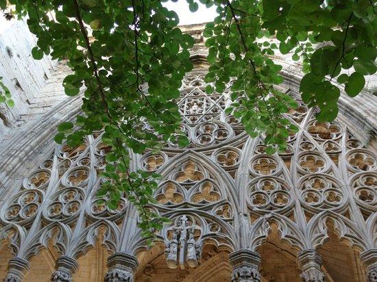 Castillo de Gardeny: Binnentuin