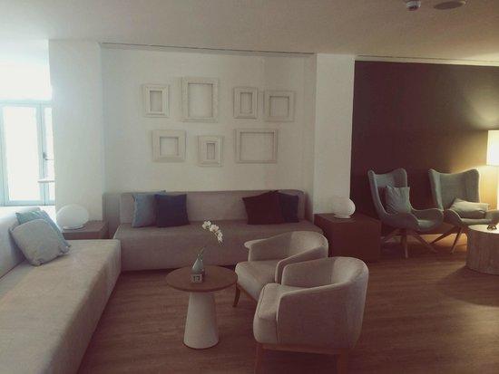 Protur Playa Cala Millor Hotel: Waiting area/bar lounge