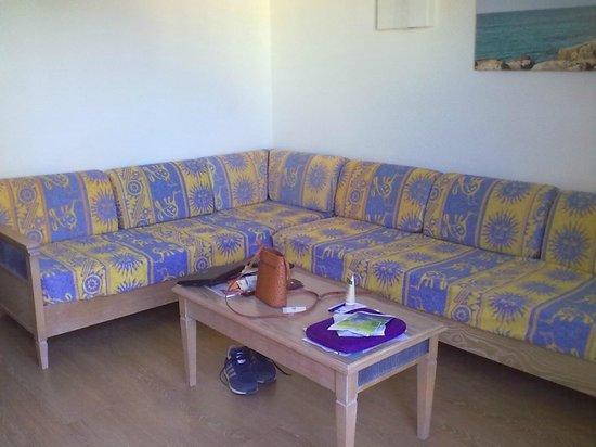 IBEROSTAR Club Cala Barca: salotto della stanza