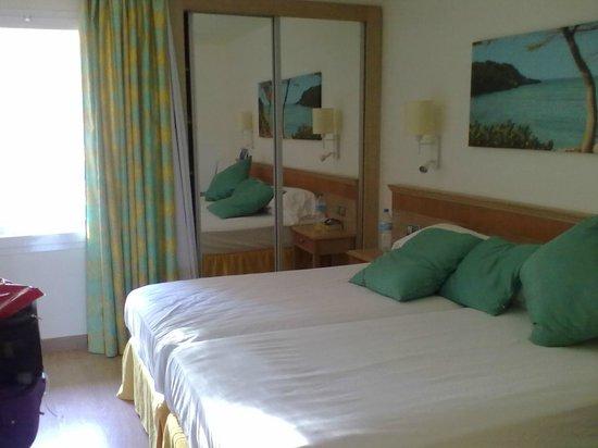IBEROSTAR Club Cala Barca: stanza da letto