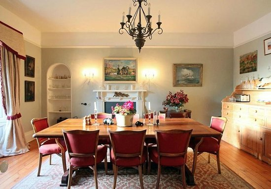 Finglen House Bed & Breakfast: Dining room