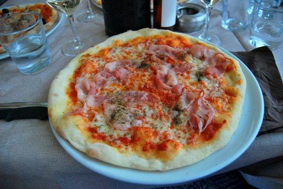 Bar Sport Lenno : My delicious ham pizza