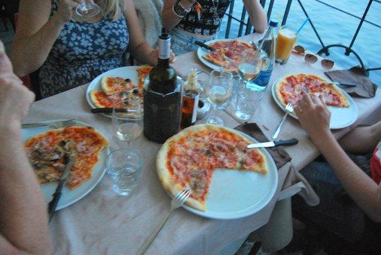 Bar Sport Lenno : All our pizzas - 1x ham, 1x spicy salami, 1x palma ham and 2x four seasons (sorry it's blurry!)