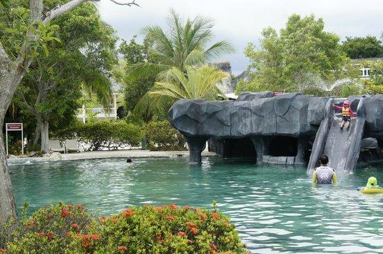 Plantation Bay Resort And Spa : pool