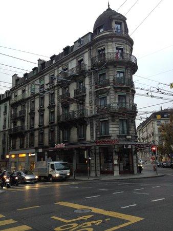 Hotel de Geneve: The hotel
