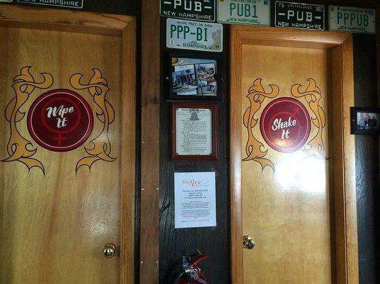 Poor People's Pub : Restrooms
