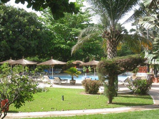 Kairaba Beach Hotel: panorâmica da piscina