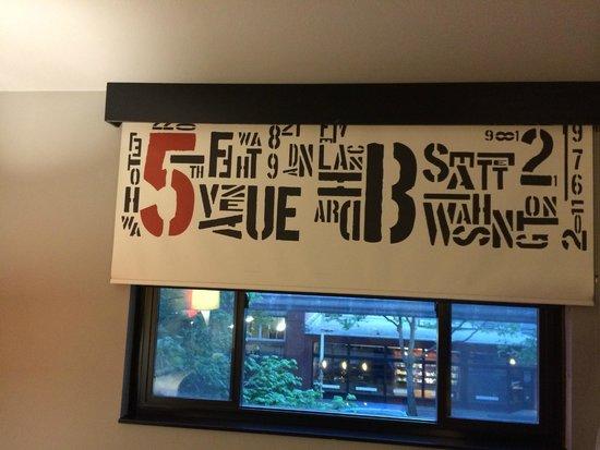 Hotel FIVE - A Staypineapple Hotel: 部屋ブラインド